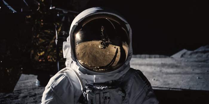 first-man-vfx-feat-image-astronaught-moon.jpg